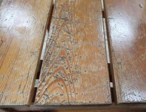 Renovation of wood by sandblasting.Before